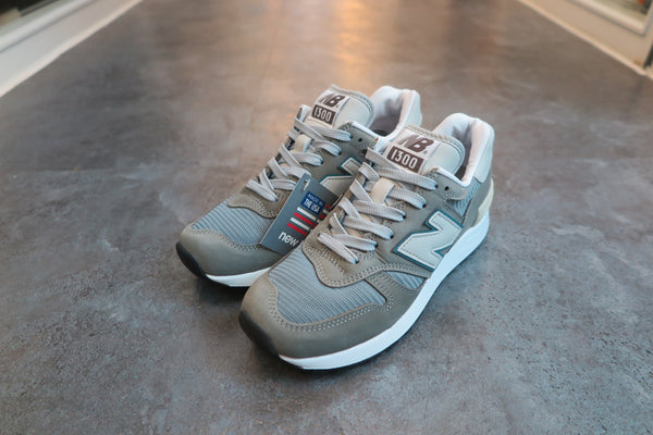 New Balance M1300JP2 Made in USA - 2015 Limited Edition-Sneakers-Navy Selected Shop