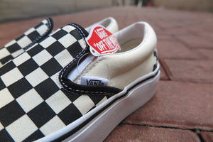 "Vans Classic Slip-On Platform ""Checkerboard"" - Black/White #VN00018EBWW-Sneakers-Navy Selected Shop"