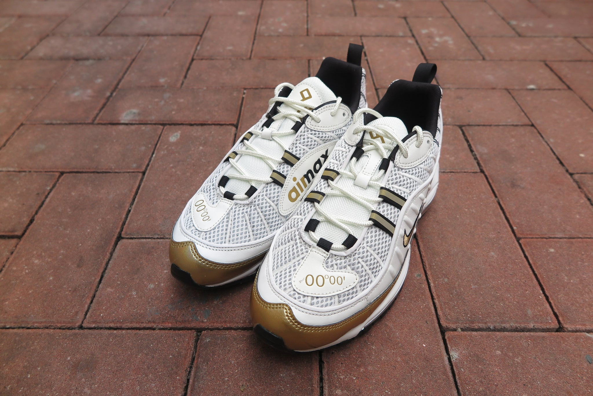 "Nike Air Max 98 ""UK Exclusive"" - Summit White/Metallic Gold/Black #AJ6302-100-Sneakers-Navy Selected Shop"