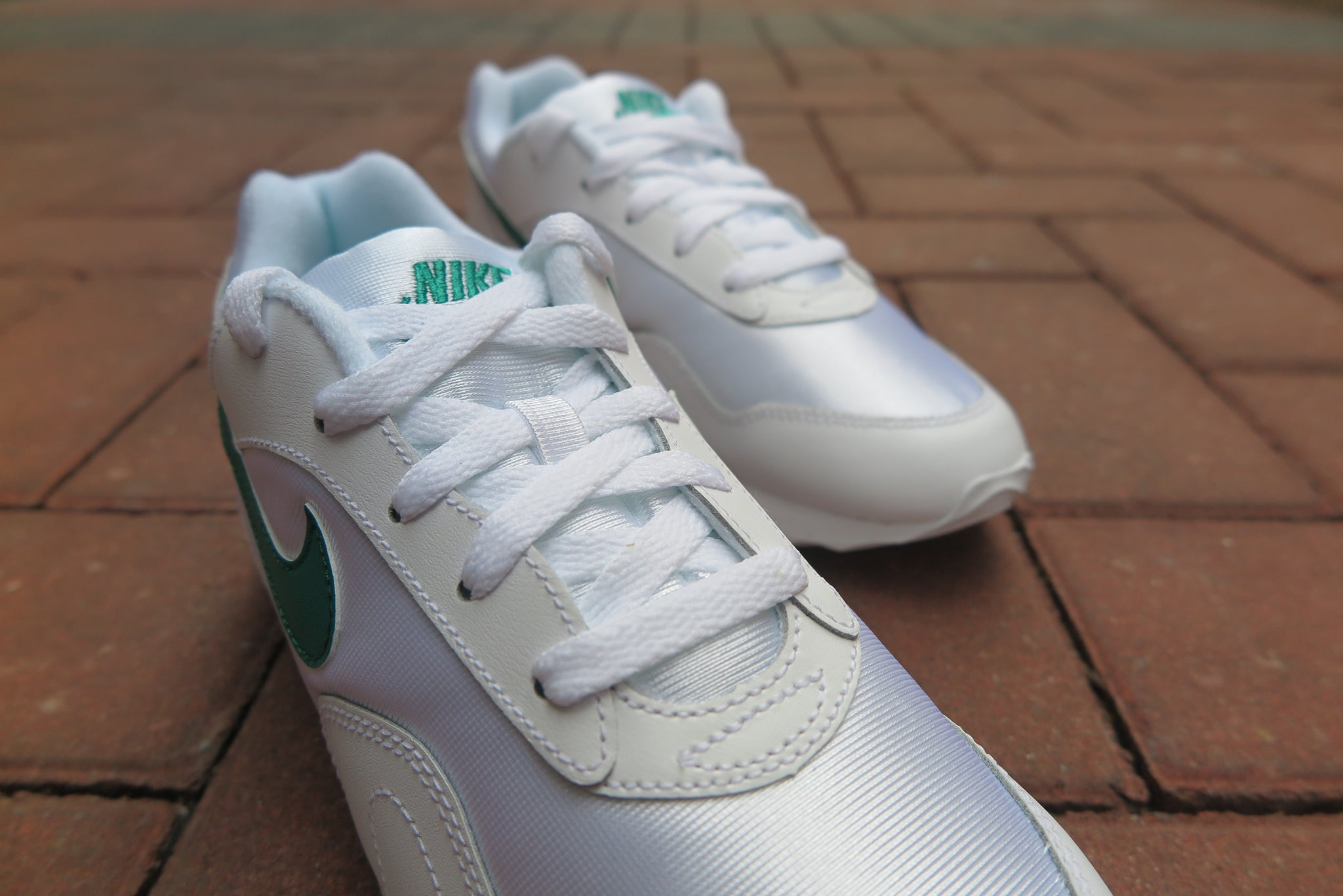 Nike WMNS Outburst OG - White/Opal Green #AR4669-102-Preorder Item-Navy Selected Shop
