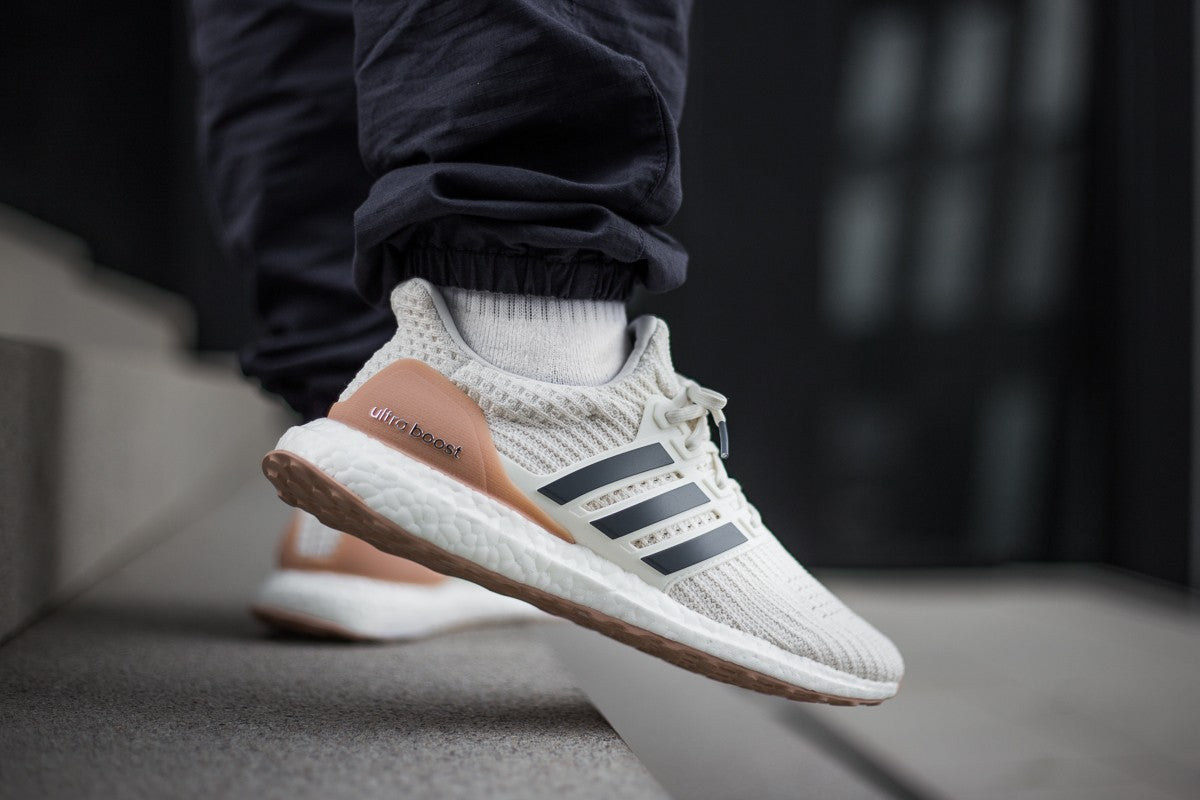 separation shoes 1c18a 0c28d adidas Ultra Boost 4.0