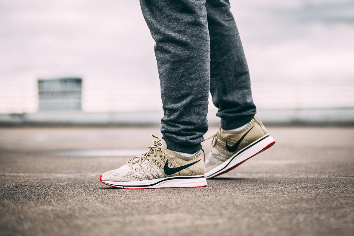 9e6143a82c2d ... Nike Flyknit Trainer - Neutral Olive Velvet Brown Sail AH8396-201- ...