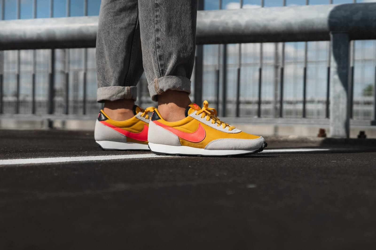Nike WMNS Daybreak - Dark Sulfur/Flash Crimson/Summit White #CK2351-701-Preorder Item-Navy Selected Shop