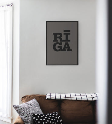 [New] Graphic Print — Riga Original® (Grey/Black)