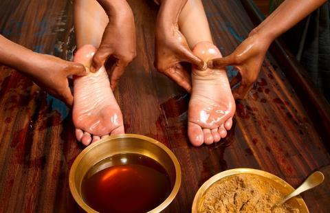 Thai Reflexology: Discover Its Origins and Healing Powers