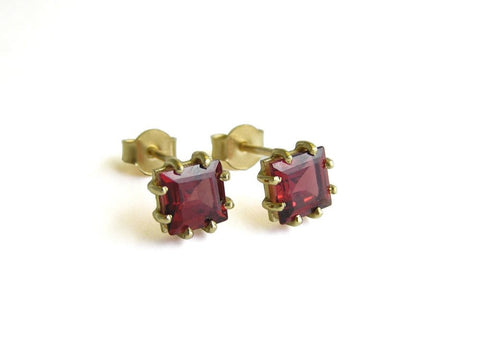 14k gold square earrings with garnet