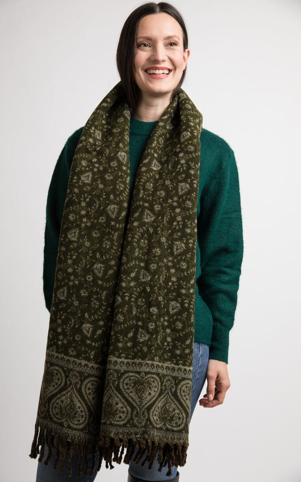Rich Green Heart pattern reversible chunky knit shawl, The Little Tibet