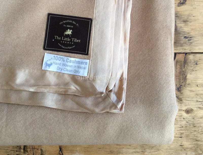 Camel coloured Mongolian cashmere deluxe 100%  cashmere blanket close up