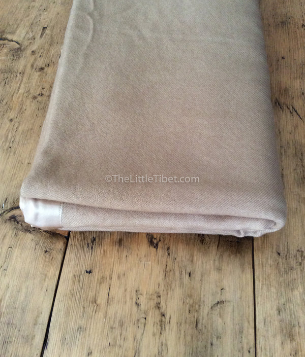 Camel coloured Mongolian cashmere deluxe 100% pure cashmere woollen blanket