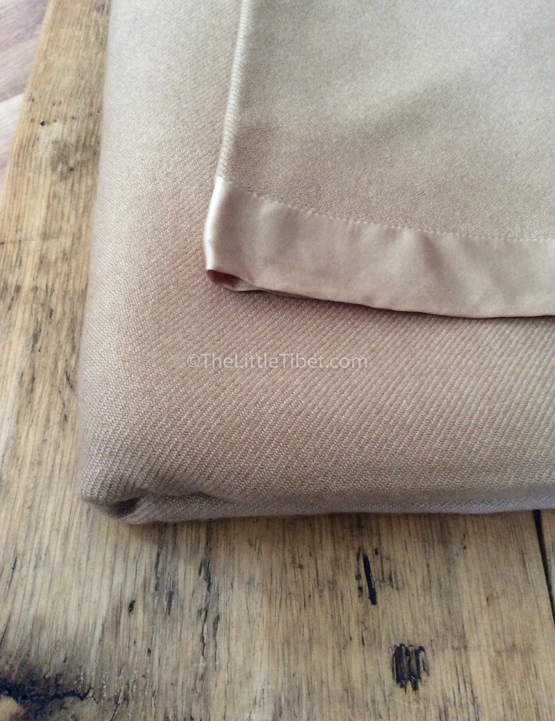 CLose up Camel coloured Mongolian cashmere deluxe 100% pure cashmere blanket