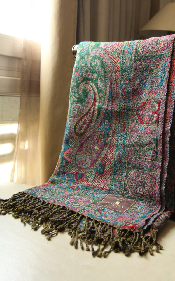 100% lambswool Green paisley lightweight dense reversible boiled wool blanket