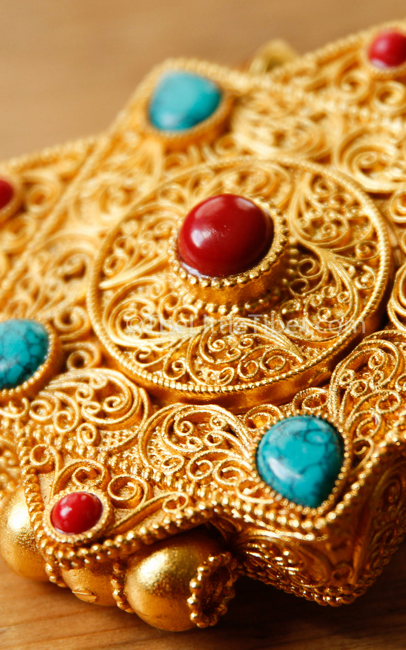 Gold Gawo handmade Locket Pendant red coral turquoise stones close up