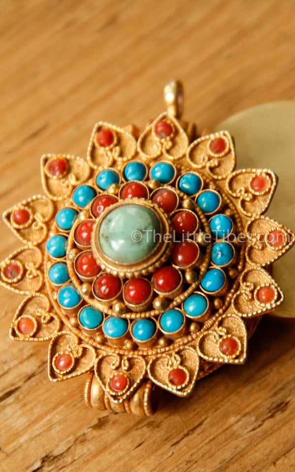 Gold Plated Sunflower handmade floral Pendant coral turquoise detail