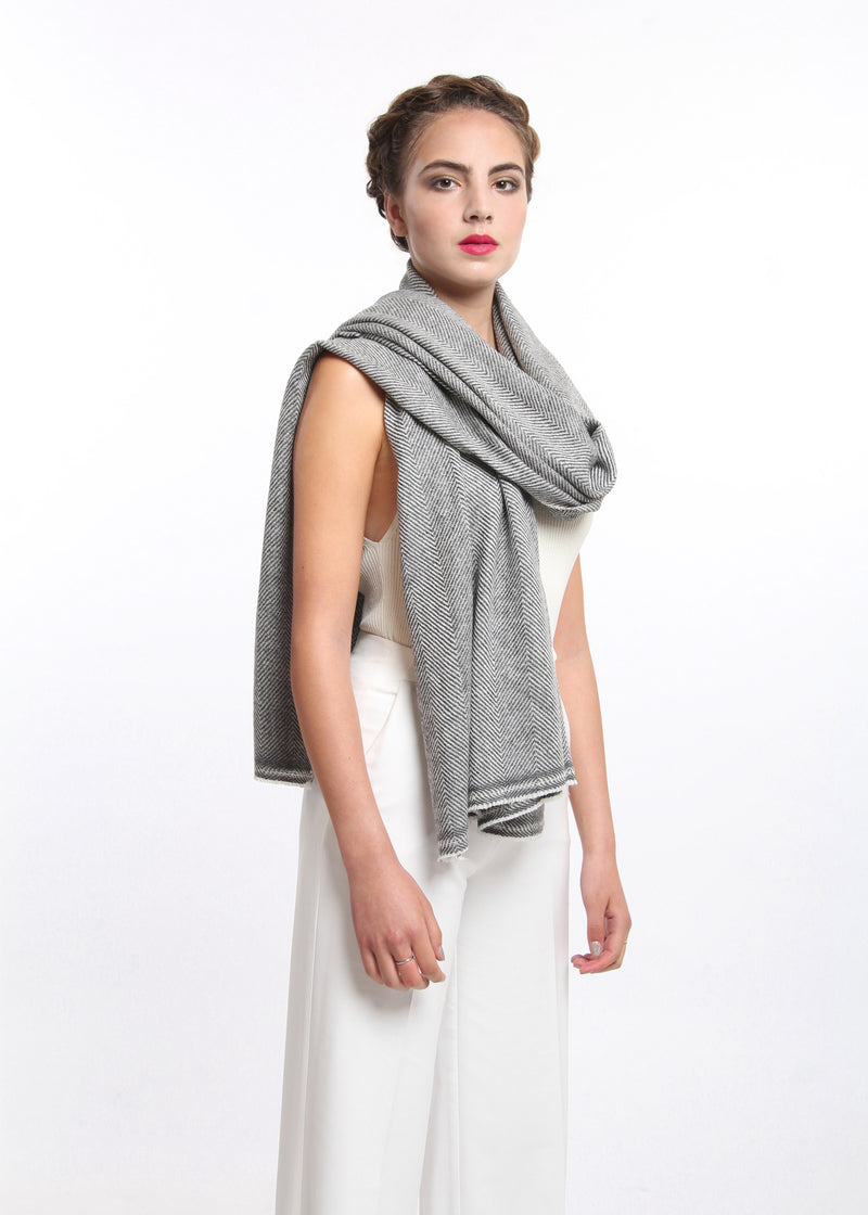 Dark grey  chevron  pattern  skinny 100% pure cashmere scarf free uk shipping