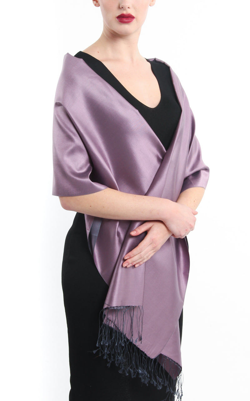 Luxury 100% pure lilac plain reversible pashmina draped around shoulders