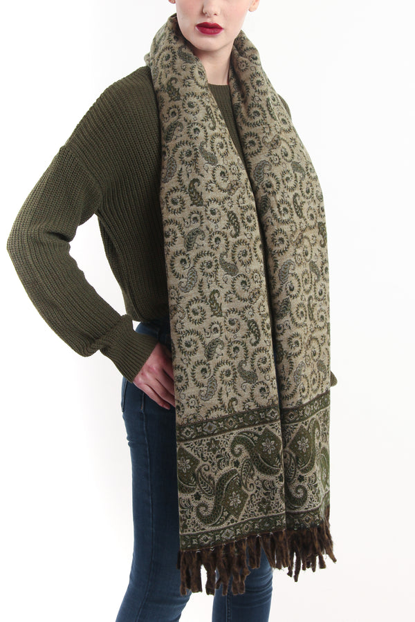 Forest green cream side paisley diamond design reversible himalayan reversible tibet shawl chunky knit