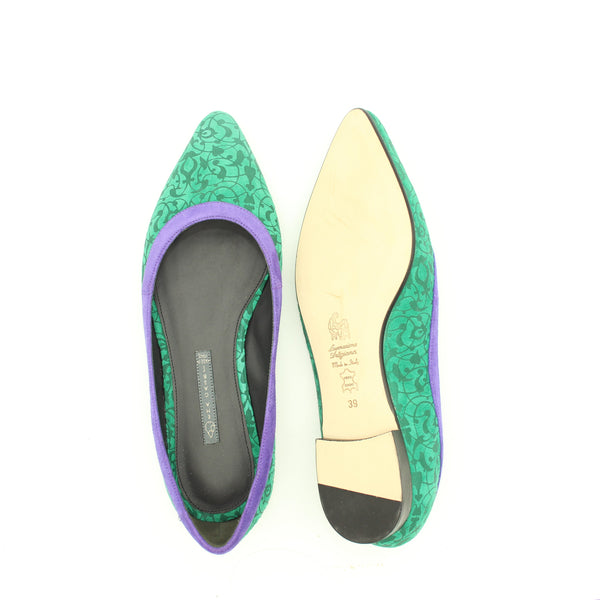 TOSCA flat shoe in  Emerald Green with Purple profile