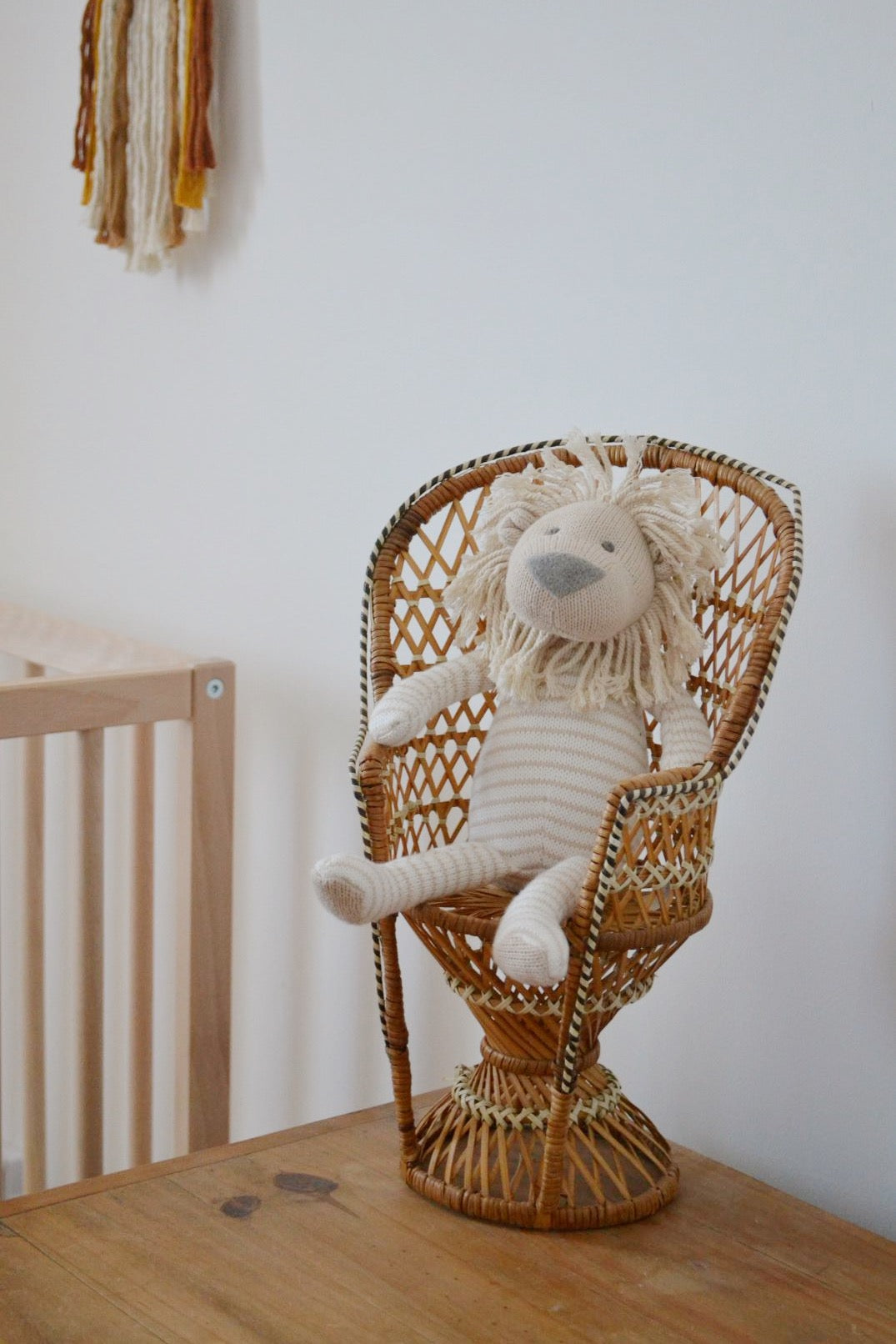 Mini rattan peacock chair with toy lion