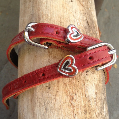 Red Hot Hearts, Spur Straps