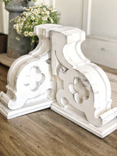 Load image into Gallery viewer, The Melanie | Set of Two Corbels