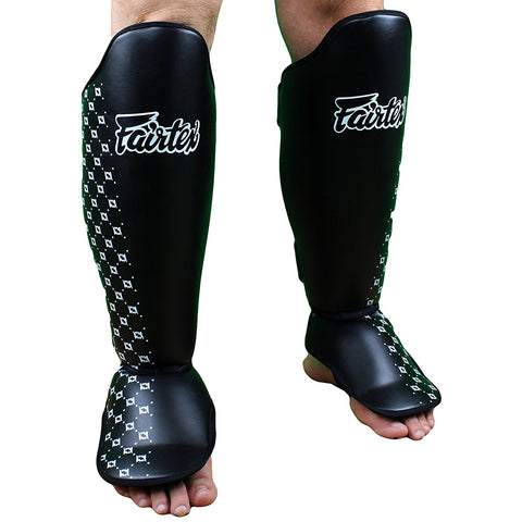 FAIRTEX SHINGUARDS SP5 COMPETITION BLACK/WHITE - MSM FIGHT SHOP