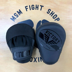 VICTORY FOCUS MITTS IMPACT SERIES SYNTEC STEALTH BLACK