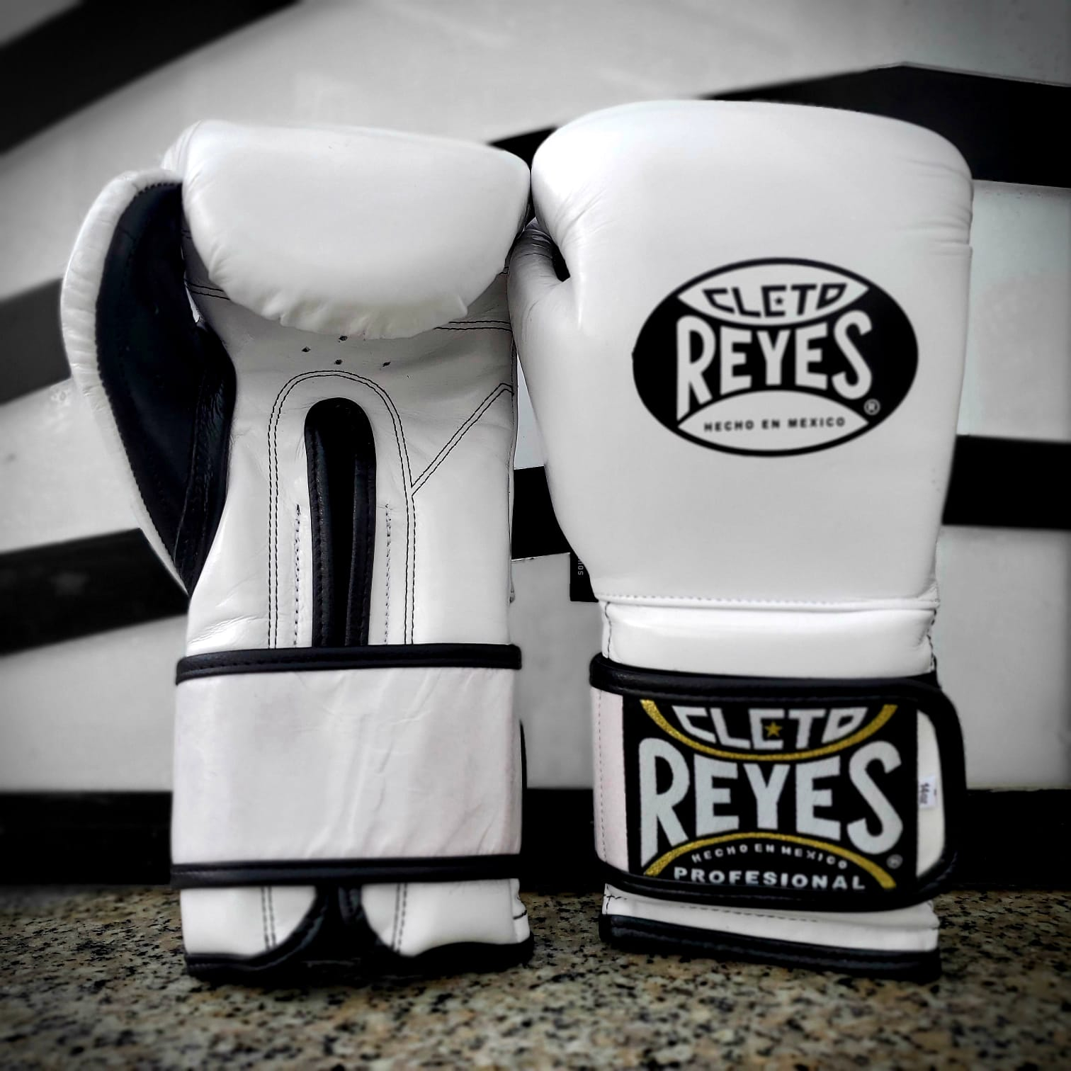 CLETO REYES GLOVES VELCRO BOXING WHITE