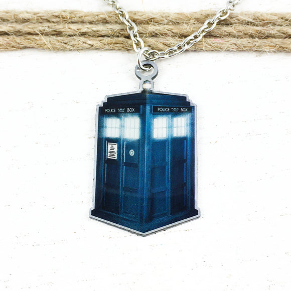 Collier | Doctor Who | TARDIS (photo)
