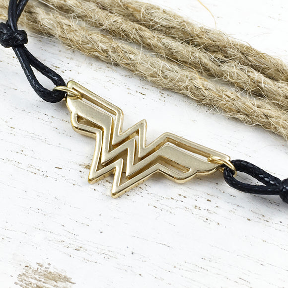 Bracelet | Wonder Woman | Golden Logo
