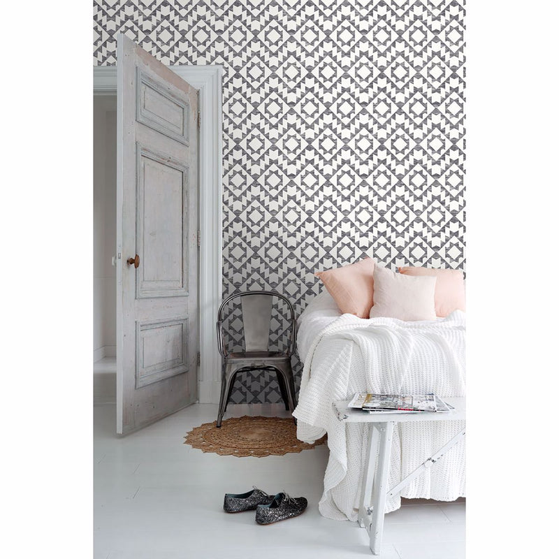 Fantine Black Geometric Wallpaper