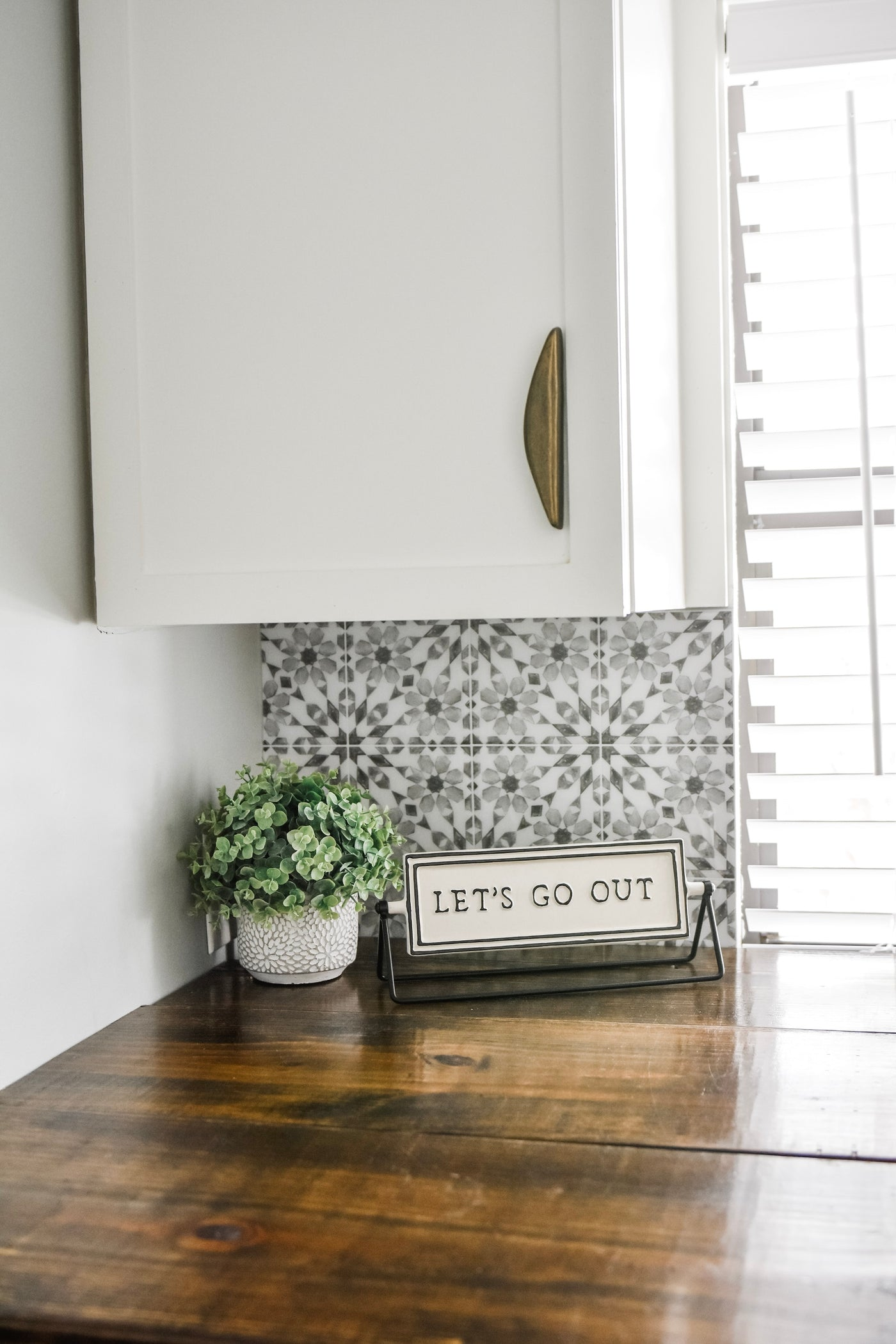 Wallpops Catalan Gray And White Peel And Stick Backsplash Tile D Marie Interiors