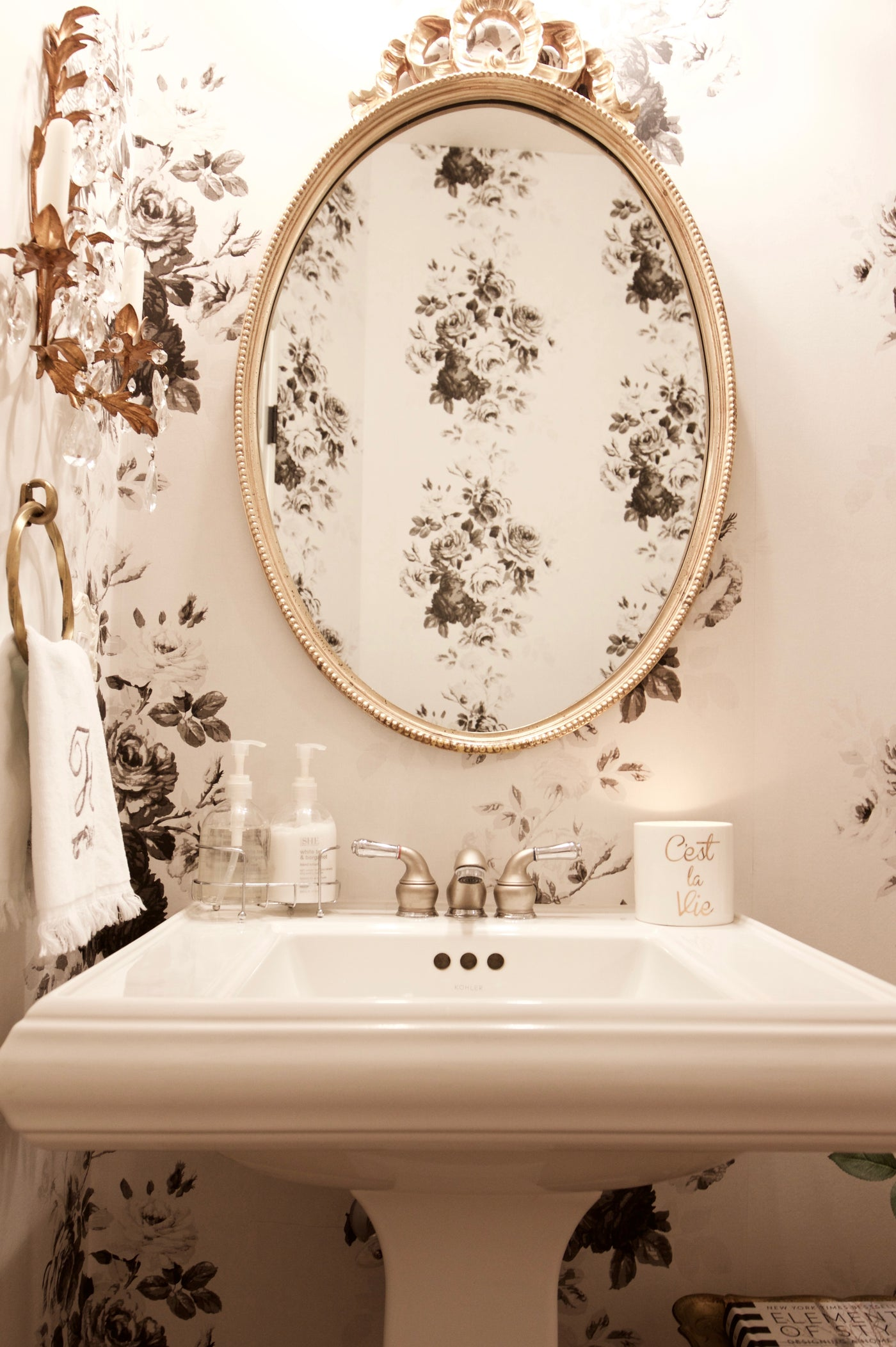 Magnolia Home Tea Rose White And Black Floral Wallpaper Me1534