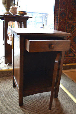 Mission Style Quarter Sawn Solid Oak Nightstand / Bedside Table - Crafters and Weavers