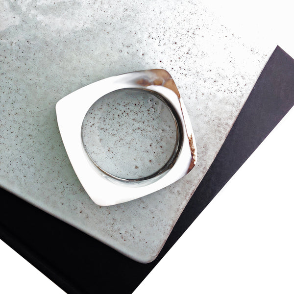 signature resin ~ ocean square cut bangle