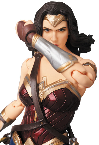 products/MAFEX_WONDER_WOMAN_7_fbf89899-1a76-4c18-9a3c-b16595126580.jpg