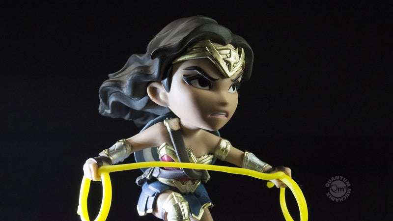 products/QMx_DC_Q-Fig_WonderWoman_JL-02_1756x988_f61db1f2-e6f4-446f-9c40-da16f112f0f3.jpg