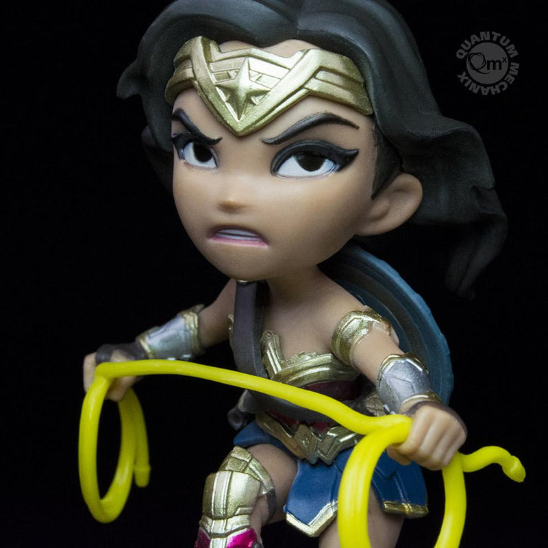 products/QMx_DC_Q-Fig_WonderWoman_JL-04_988x988_a11d0c8b-2302-4002-b183-d31dde94c674.jpg