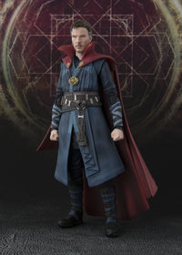 S.H. Figuarts: Doctor Strange & Burning Flame Set