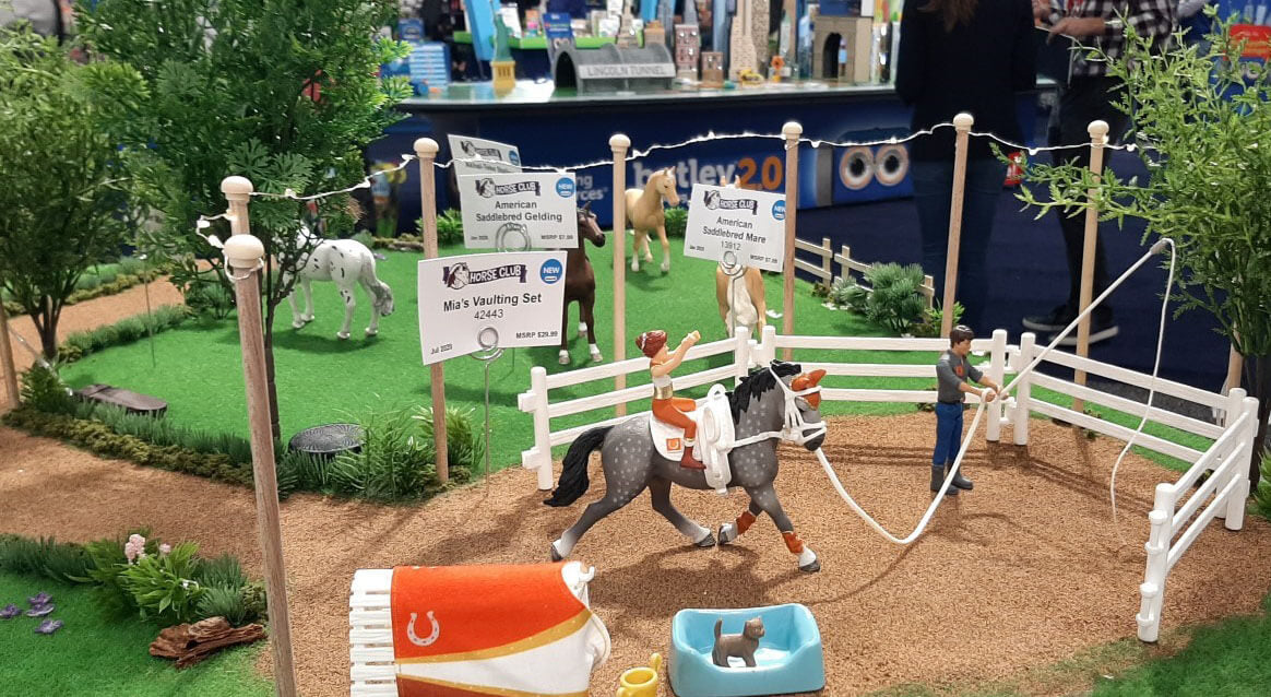 Schleich collectors put together a Schleich Horse Club diorama which features a horse farm.