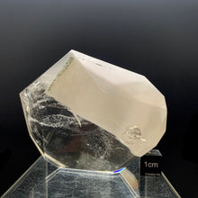 Load image into Gallery viewer, quartz crystal for sale