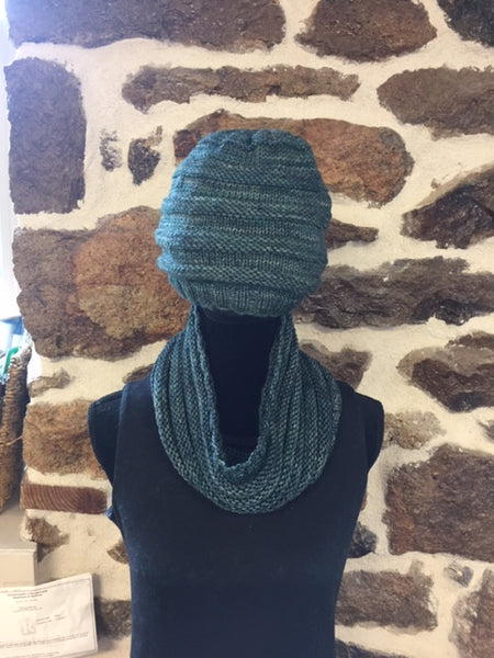 """Knit Purl"" Hat and Cowl Kit"