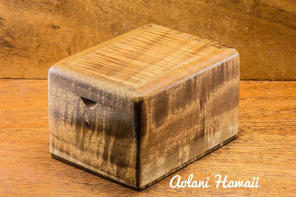 Hawaiian Koa Box for Keepsake Jewelry Gift - Aolani Hawaii - 1