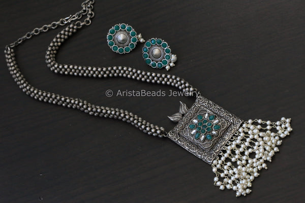 Beaded Silver Look Necklace - Green