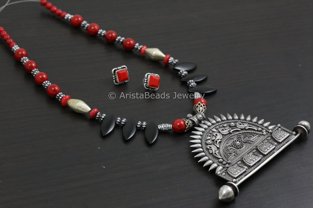 Handmade Black Coral Beaded Necklace Set