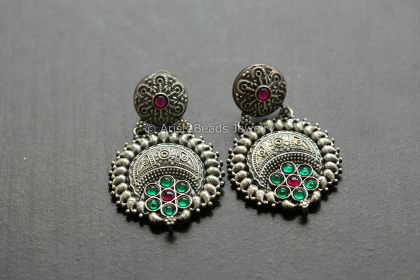 Oxidized Emerald Kemp Earrings