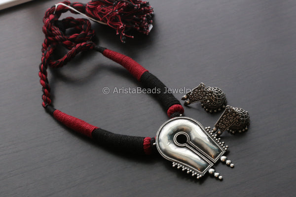 Red Black Silver Look Necklace