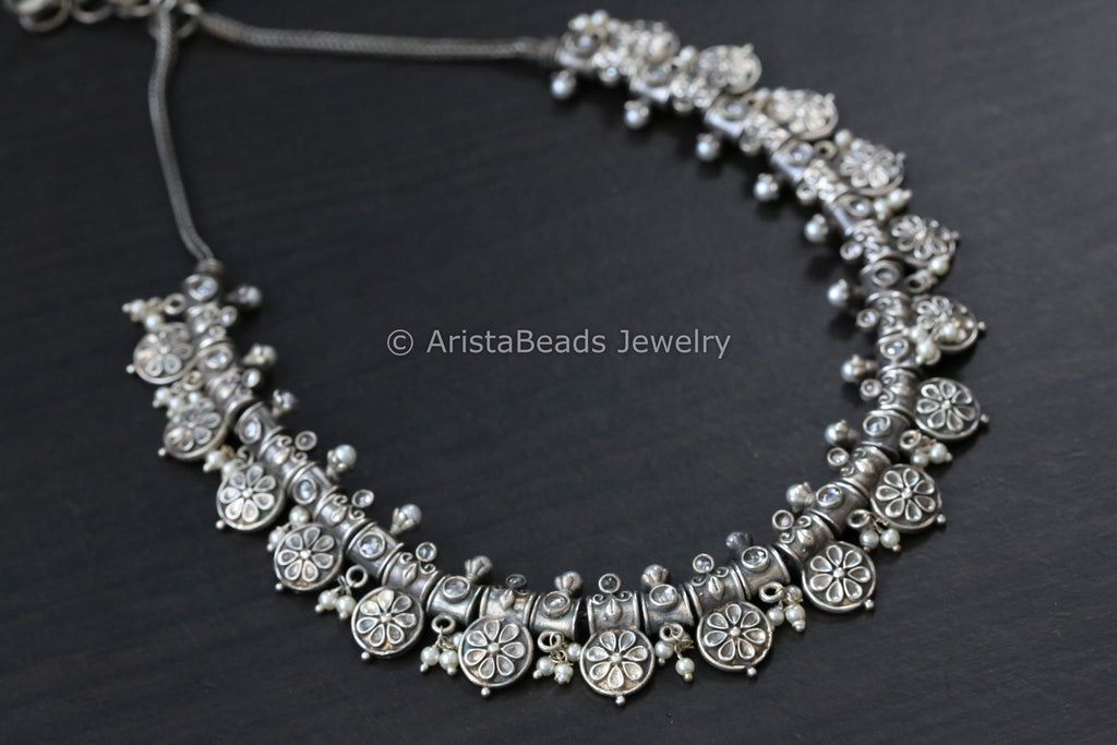 Silver Tone Pearl Necklace - Clear