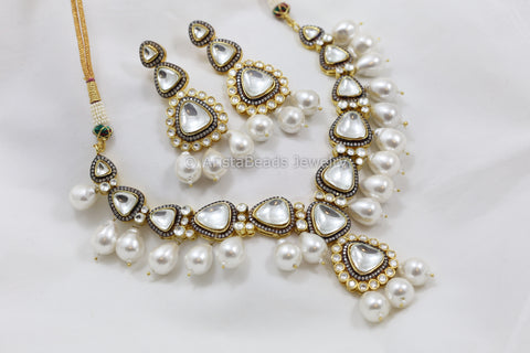 Contemporary Kundan Barouque Necklace Set