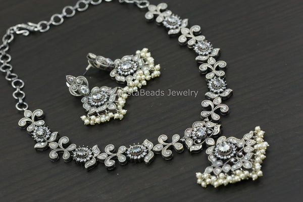 Beautiful Clear Polki Pearl Necklace Set