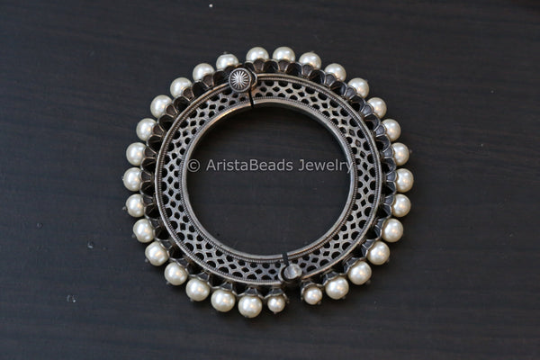 Pacheli Silver Look Oxidized Bangle